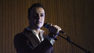 Laulaminen on Amanj Amirnialle tärkeä osa elämää