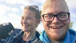 Radiojuontajat Anna Sirén ja Jyrki Hakanen