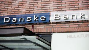 Danske Bankin konttori Helsingin Salmisaaressa.