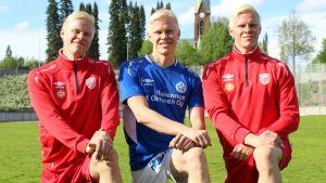 Mikkelissä jalkapalloilevat kolmoset Tommi, Sami ja Miika Ekmark.