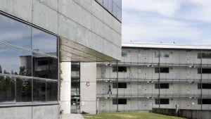 Pelastusopiston asuntola ja Kriisinhallintakeskus.