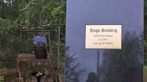 Hugo SImbergin muistomerkki paljastettiin Ähtärissä Peränteen kylällä sunnuntaina 11. kesäkuuta 2017.