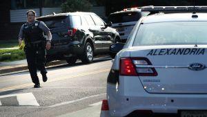 Alexandrian poliisi eristää ampumisaluetta yhdysvaltain Virginiassa