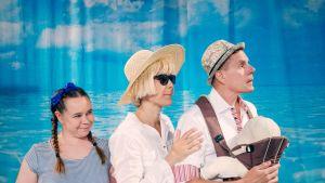 Heinolan kesäteatterissa vierailevat ensimmäistä kertaa Katja Kûttner ja Minttu Mustakallio. Mukana myös Taisto Oksanen.