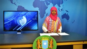 Sadio Mohamed Hassan uutisstudiossa.
