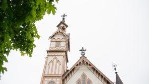 Kajaanin kirkon torni.