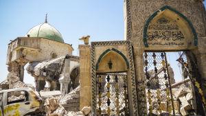 Moskeijan raunioita Mosulissa.