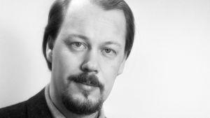Kirjailija Matti Rossi.
