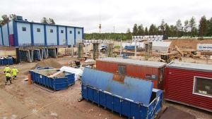 Sinettä Ounasjoen koulun rakennustyömaa Rovaniemi.