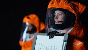 Amy Adams Arrival-elokuvassa.