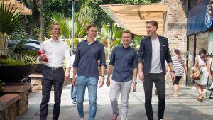 Joona Selin, Antton Nordberg, Juho-Erik Kolehmainen ja Joni Koro ystävystyivät Manilassa, jonne kaikki lähtivät töiden perään.