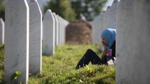 Potocarin hautausmaa Srebrenican verilöylyn vuosipäivänä Bosnia ja Hertsegovinassa 11. heinäkuuta.