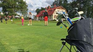 Kehitysvammaiset golffaavat Imatralla