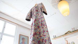 Kellokosken sairaalassa käytettyjä pakkokeinoja: repijän mekko, joka esti potilaita vahingoittamasta itseään