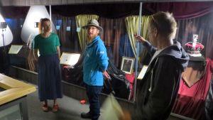 Egenland-matkailuohjelmaa kuvatan Kemin Jalokivigalleriassa