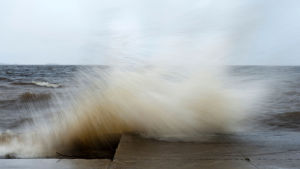 Syysmyrsky Nallikarissa, Oulussa.