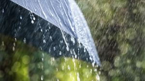 sateenvarjo ja sadetta