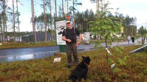 Luonnnonsuojeluliiton Etelä-Savon piirin toiminnanjohtaja Timo Luostarinenaustraliankelpie Manu