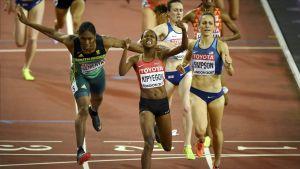 Caster Semenya, Faith Kipyegon, Laura Muir ja Jennifer Simpson loppukirikamppailussa.