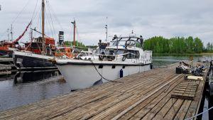 Takavarikoitu venäläinen alus