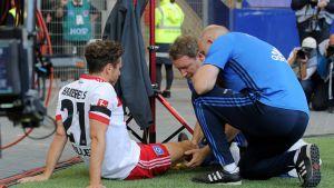 HSV:n Nicolai Müller loukkaantui omaa typeryyttään sarja-avauksessa 19.8.