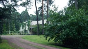 Entinen tehtaanjohtajan asunto Kotkan Sunilassa.