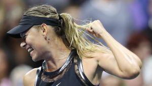 Maria Sharapova tuulettaa.