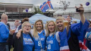 Korisfaneja Islannista.
