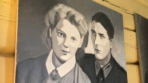 Liisa Karekiven maalaamat lotta ja sotilas.