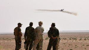 Syyrian hallituksen sotilaita asemissa Deir Ezzorissa 5. syyskuuta.