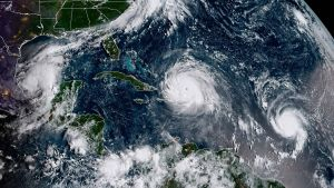 NOAA:n satelliittikuvassa 7. syyskuuta näkyvät vasemmalta oikealle lueteltuina hurrikaani Katia, hurrikaani Irma ja hurrikaani Jose.
