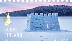 PostEuropin järjestämän linna-aiheisten EUROPA-postimerkkien kilpailun voitti vuonna 2017 Anssi Kähärän Postille suunnittelema Lumilinna-postimerkki.