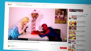 Elsa ja Spiderman Toy Monsterin videolla.