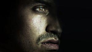 itkevä mies