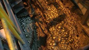 Boliden Kevitsan kaivoksen rikastamossa vaahdotetaan metalleja malmista 2.10.2017