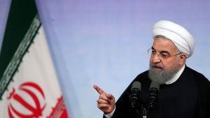Iranin presidentti Hassan Rouhani puhui Teheranin yliopistolla lukuvuoden avajaisissa.