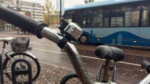 pyörä ja joukkoliikennettä