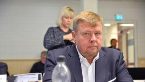 Pekka Perä oikeussalissa