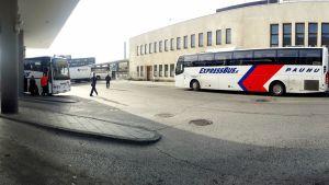 Expressbus, Paunu, Tampere, bussiasema