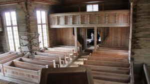 Petäjäveden vanhan kirkon sali.