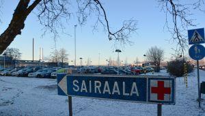 Länsi-Pohjan keskussairaala Kemissä.