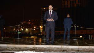 Libanonin pääministeri Saad al-Hariri vierailee isänsä, murhatun entisen pääministerin Rafik Haririn haudalla, Beirutissa, Libanonissa, 21. marraskuuta 2017. Hariri palasi Beirutiin 18 päivän kuluttua siitä, kun hän ilmoitetti erostaan pääministerin tehtävästä vierailullaan Saudi-Arabiassa.