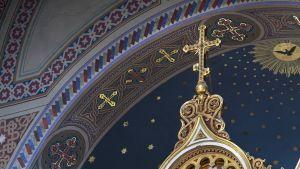 Uspenskin katedraali Helsingissä, sisäkuva.