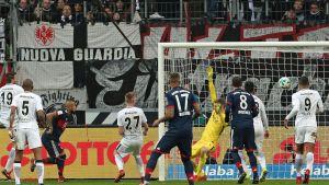 Lukas Hradeckyn Frankfurt vs Bayern
