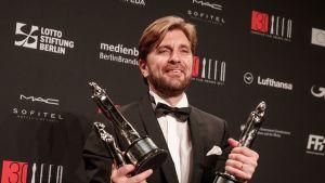 Ruotsalainen ohjaaja Roben Östlund European Film Awards-gaalassa.