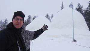 Pyhän lumilinna ja yrittäjä Oiva Niemelä
