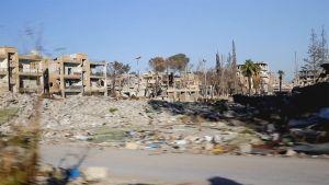 Pommitettua Raqqan kaupunkia.