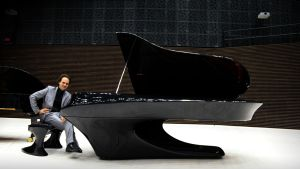 Pianotaiteilija Gergely Bogányi, Bogányi-flyygelin rakentaja