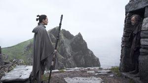 Kohtaus Star Wars: The Last Jedi -elokuvasta. Elokuvassa oli paljon uusia naishahmoja ja oikeudentuntoon vetoava juoni.