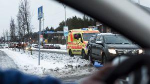 Ambulanssi liikenteessä
